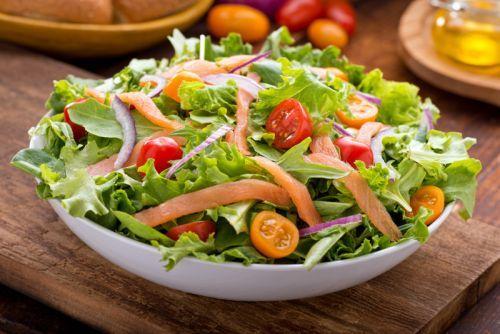 Recette santé de salade de saumon fumé