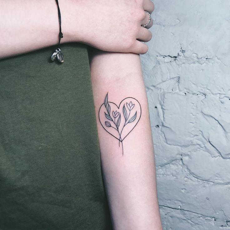 Дела сердечные♥️  #sashatattooingstudio #catherine_harmony #tattoo #botanical