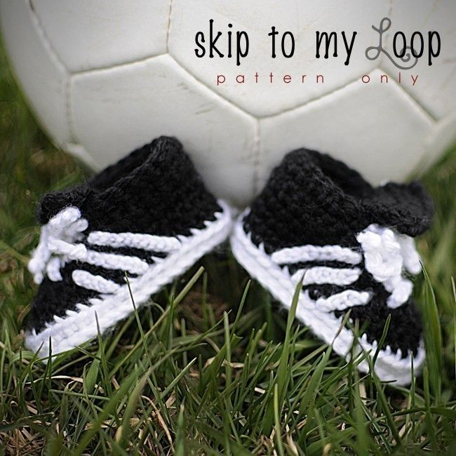 Baby Soccer Shoes - Crochet Pattern.