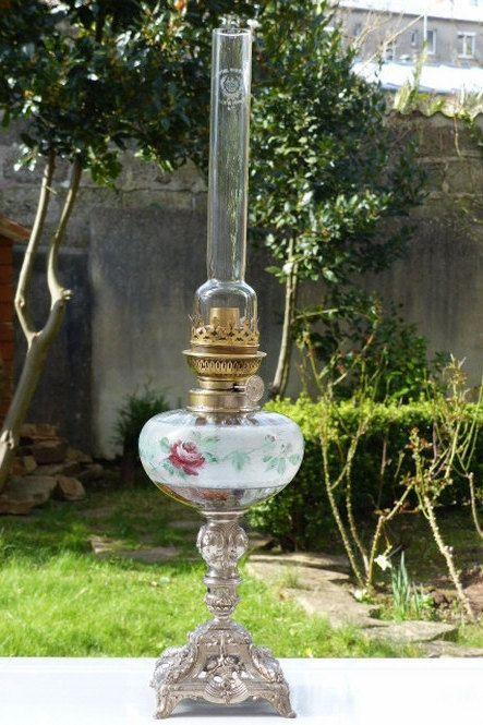 LAMPE A PETROLE française pied en régule par HistoiresAntiquites
