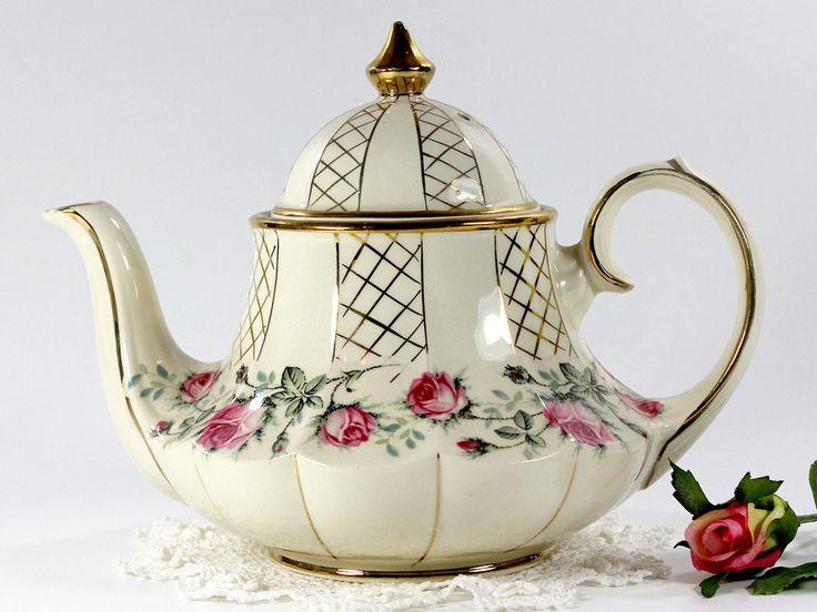 Marquee Sadler Rosebud Tea Pot, Vintage Carousel Shaped Sadler Teapot