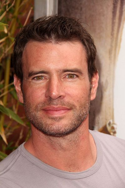 Scott Foley (and to think I was on team Ben back in the Felicity days!)