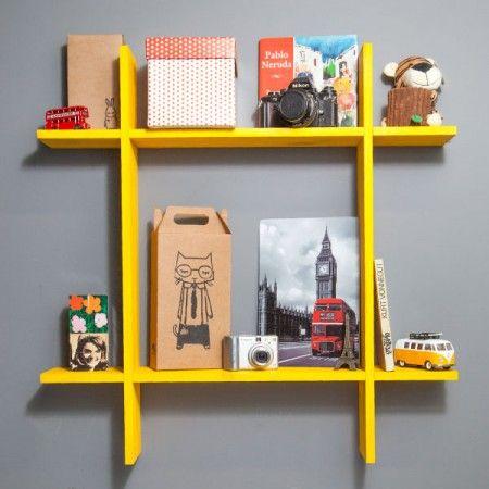 Ideia para Escritório!  http://www.tadah.com.br/ambiente/cozinha/estante-de-parede-hashtag.html
