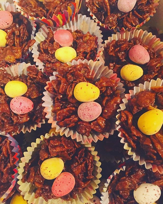 Tomorrow we are being treated to #eastercakes! #easter #easterweek #yum #yummy #minieggs #minieggseason #miniegg #cupcakes #workingames #officefun #studiofun #gamingfun #brighton #westpierstudio