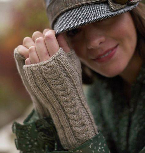 Sweet Fern Mitts pattern by Clara Parkes. From Knitter's Book of Wool.