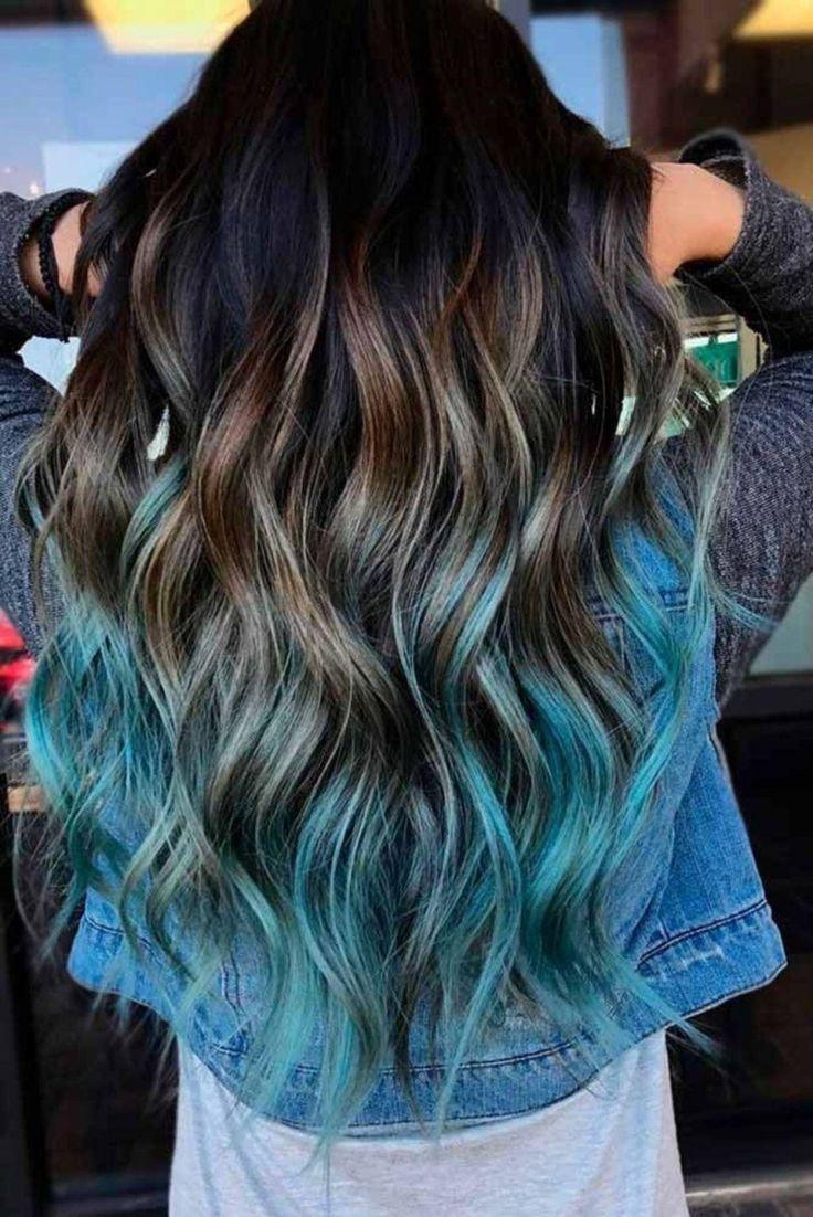 Eine Tolle Haarfarbe Im Ombrelook Braun Auslaufen In Blau