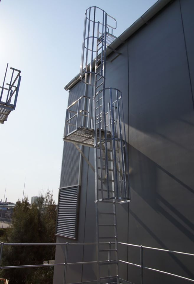 Roof Safety Systems Melbourne In 2020 Roof Installation Aluminum Roof Roof Access Ladder