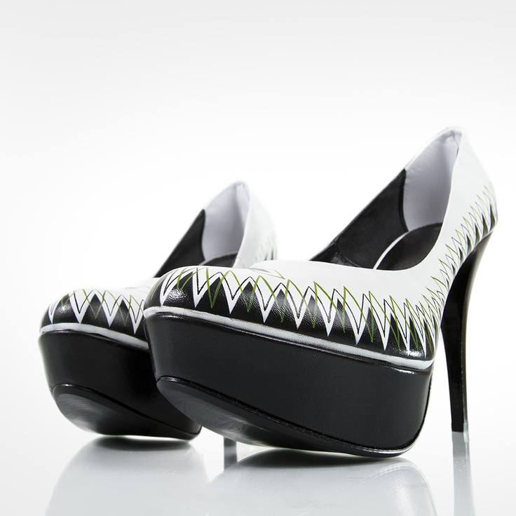 Diamond - Hand Painted Shoes graphic project by Nina Gregier.