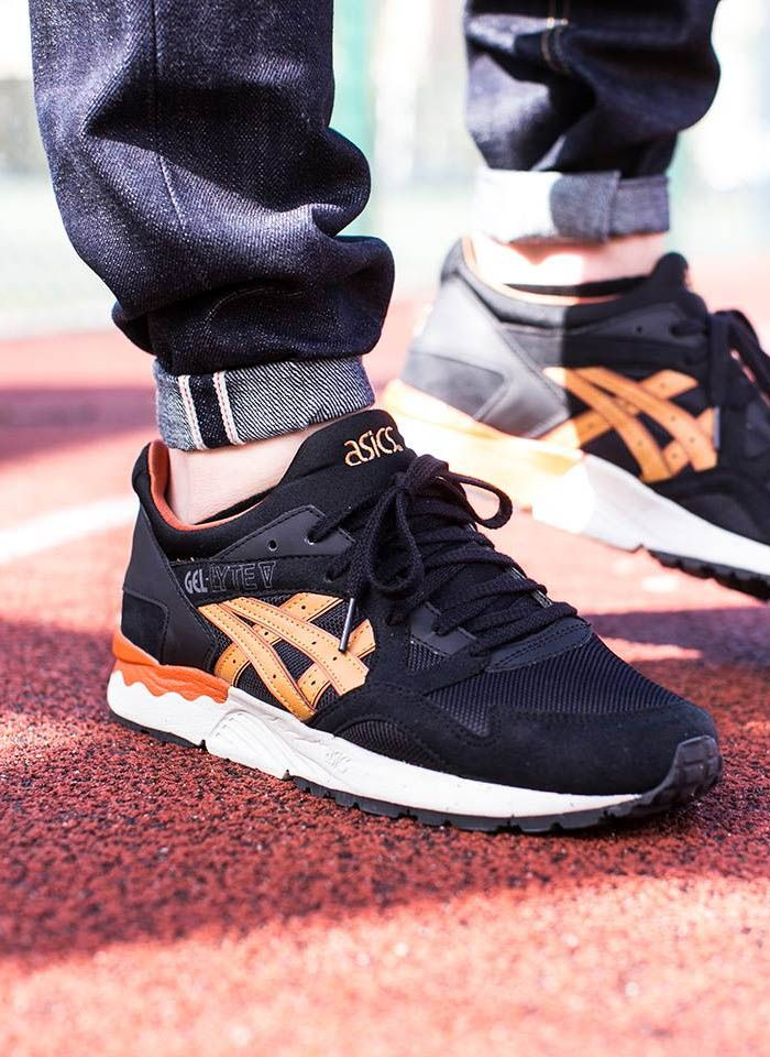 asics gel lyte v black tan on feet