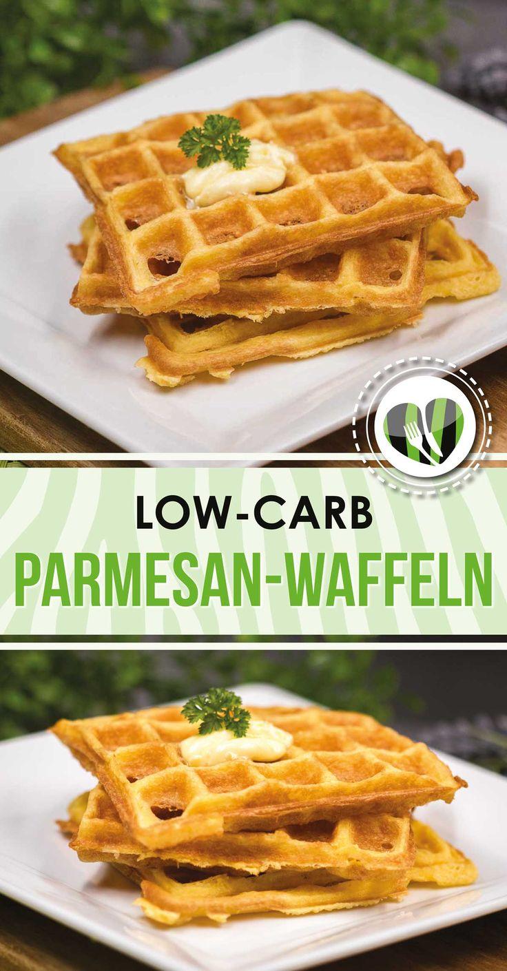 Die Parmesan-Waffeln sind lecker low-carb und glutenfrei. Zudem ist es keto und eignet sich zum Eierfasten