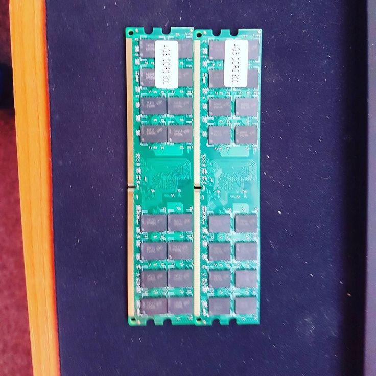 Nove 8gb 2x4gb ddr2 800mhz  45 pre AMD dosky 2r zaruka inac stoja 90  ;) piste správu posledne kusy