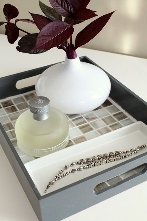 DIY mosaic tile tray. Just the thing I was looking for to redo my trays!
