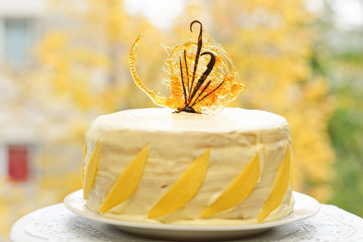 Vanilla and mango cake- Tort de mango şi vanilie « KissTheCook