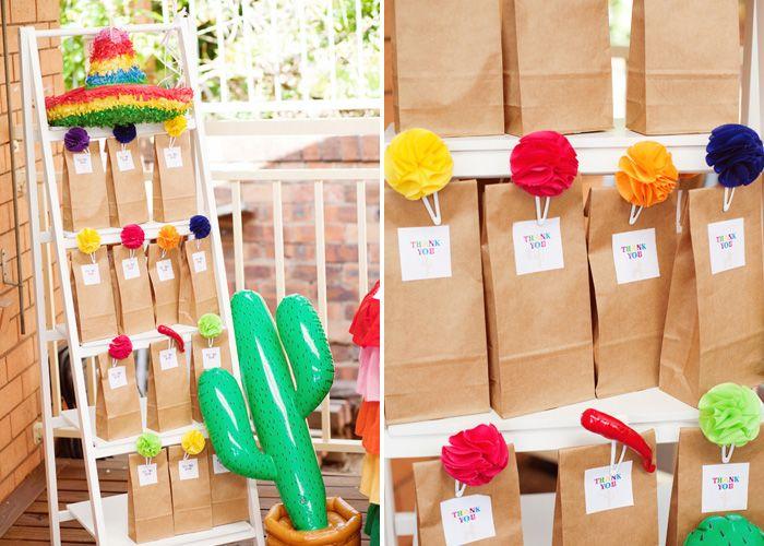bolsas de regalo sencillas y alegres para una fiesta cinco de mayo festive party bags