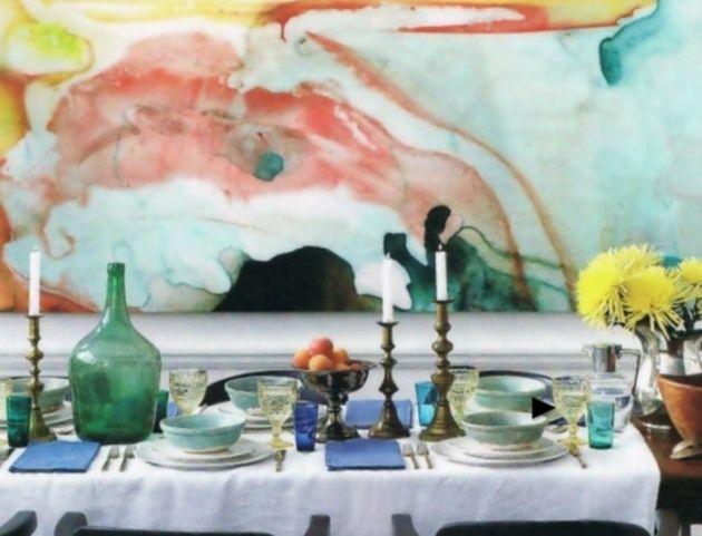 Bleu, orange, jaune aquarelle dans cette salle à manger