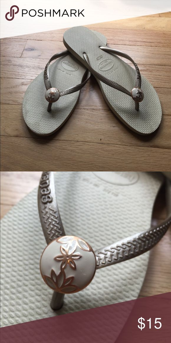 Havaianas Slim Flip Flop Cream flip flop with gold strap and cream/rose gold decal. Super comfortable and only worn once-great but for summer! Size 39/40 Havaianas Shoes Sandals