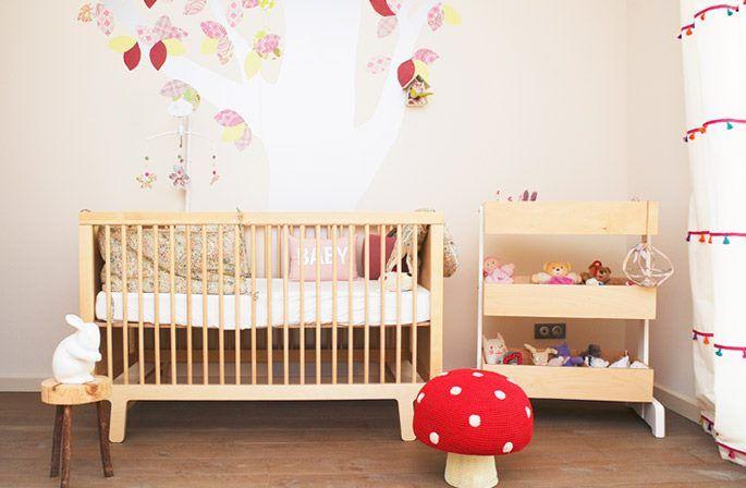 Décoration chambre bébé par Little Michèle & Noelle Mobilier Oeuf