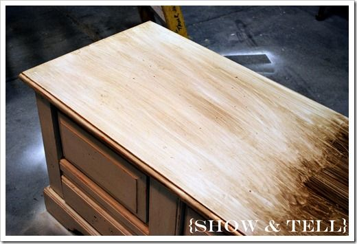 Awesome how-to on glaze staining to look vintage. EASY!