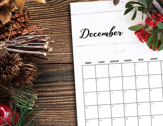 December 2017 Calendar Holiday Berries | Printable PDF | Instant Download  3 sizes available with download: Letter, A4 and A5  This items is available for instant download only. No product will be shipped. When payment clears, the item will be available for download. Save to your