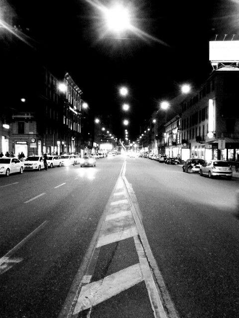 Corso bueno s. Milan h 23.30 in b&w Valentino Immacolata photo