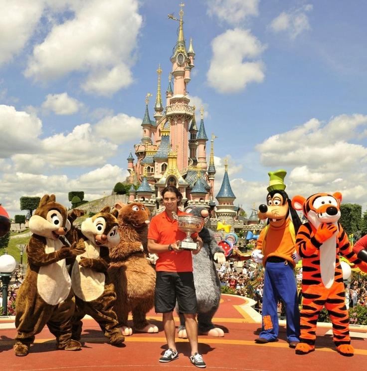 Rafael Nadal celebrates his trophy at Disneyland Paris