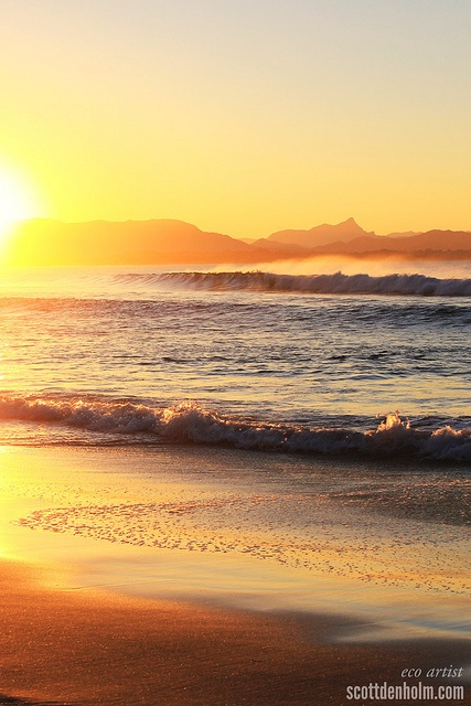 Byron Bay sunset | http://www.viewretreats.com/byron-bay-luxury-accommodation?param=true #travel