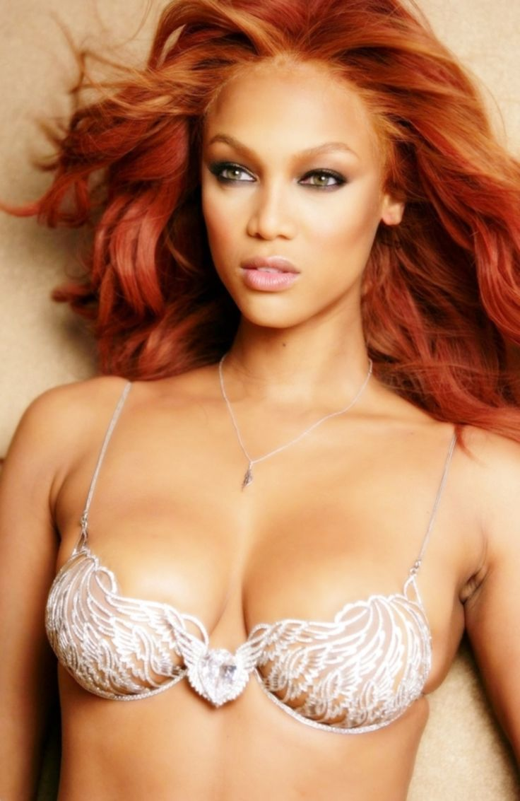 Tyra Banks wearing the Heavenly 70 Fantasy Victoria's Secret Bra ('04)