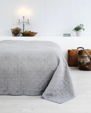 Sängöverkast HIRSHOLM 240x260 grå | JYSK