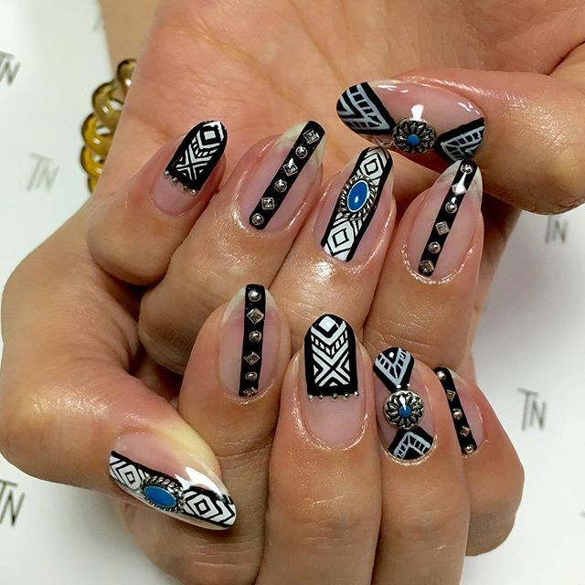 Negativ Space Nails, torrinie_nine