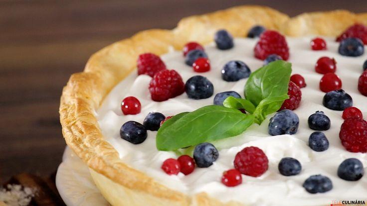 Receita de Tarte de frutos silvestres com mascarpone. Descubra como cozinhar Tarte de frutos silvestres com mascarpone de maneira prática e deliciosa!