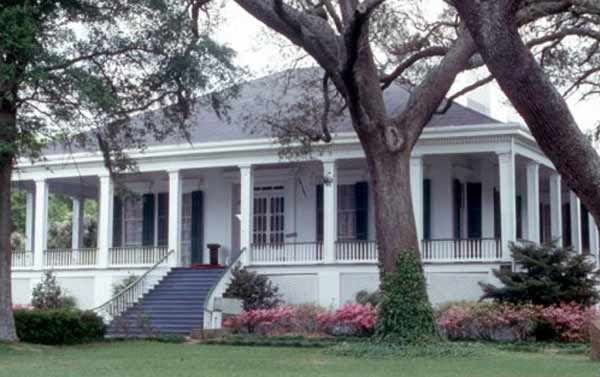 Beauvoir, Biloxi - last home of Jefferson Davis... there was also a Civil War soldiers home on the grounds and there is a cemetery there... Hurricane Katrina did heavy damage to the house and outer buildings but with the help of numerous volunteers, it has been restored...