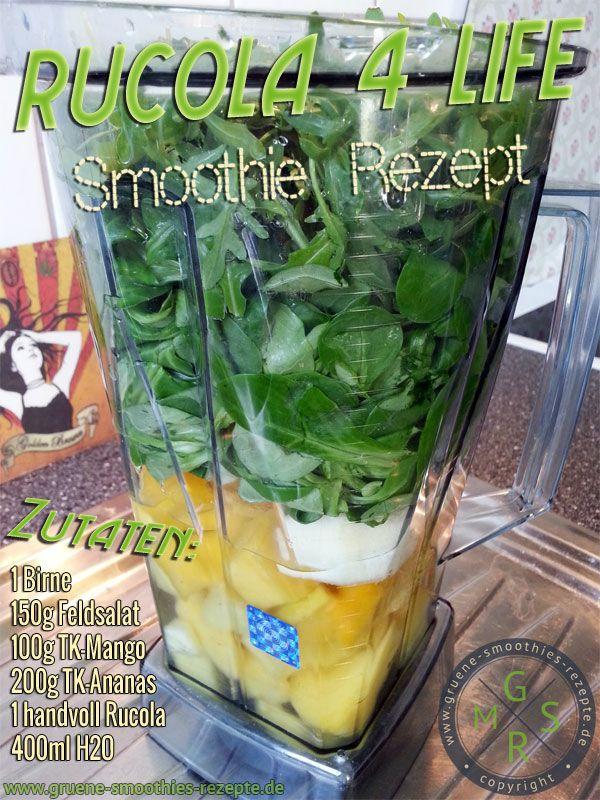 Grüner Smoothie mit Rucola, Feldsalat, Birne, Ananas und Mango