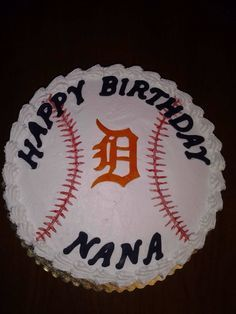 Detroit Tigers baseball cake.