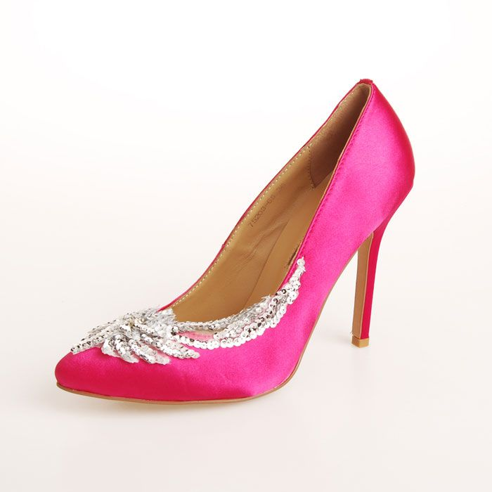 17 best images about manolo blahnik m3 on pinterest for Shoe designer manolo blahnik