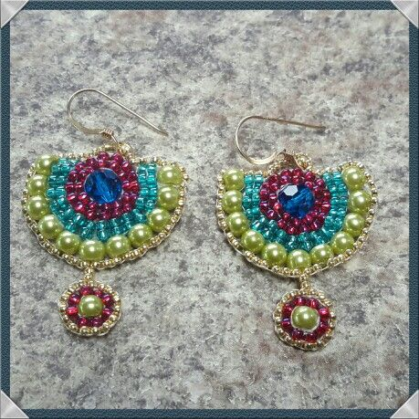 Happy colours for the Spring! Lime green, aqua, hot pink and capri blue brick stitched earrings. Great fun...