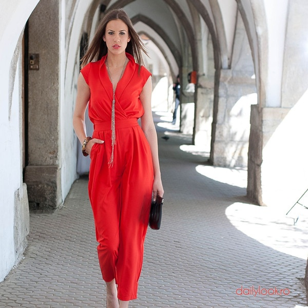 Smart Red Overall Look  http://www.dailylook.ro/look.php?tinuta=61