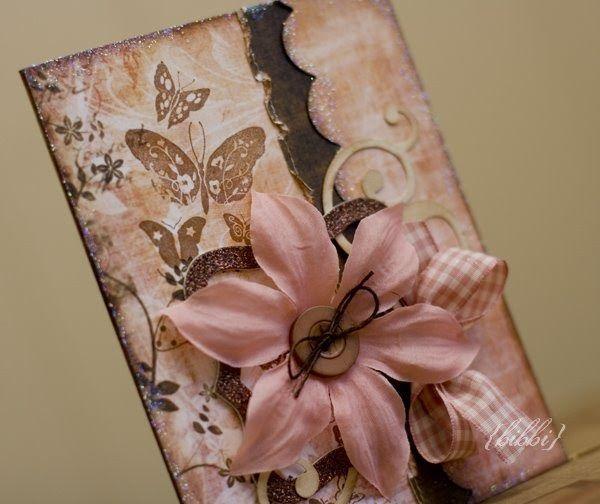 Tid for dagens igjen :) Papir er fra Prima, blomst fra Petaloo, Chipboard fra MM og punch fra EK. Sommerfuglene er et stempel fra Inkainkado...