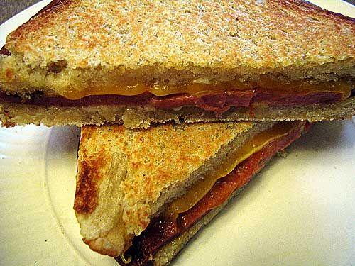 Fried Bologna sandwich  No matter how you make it, it's–  –Hillbilly Heaven!   Pass the potato chips.
