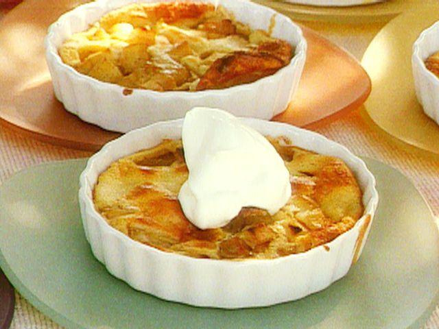Michael Chiarello's Apple Clafouti  #Thanksgiving #ThanksgivingFeast #Dessert