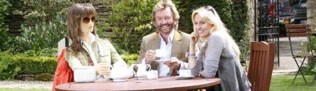 "Oud-dj BBC: ""Britse koninklijke familie verdoezelde misbruik jongens"" - http://www.ninefornews.nl/oud-dj-bbc-britse-koninklijke-familie-verdoezelde-misbruik-jongens/"