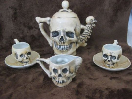 Skull coffee/tea set