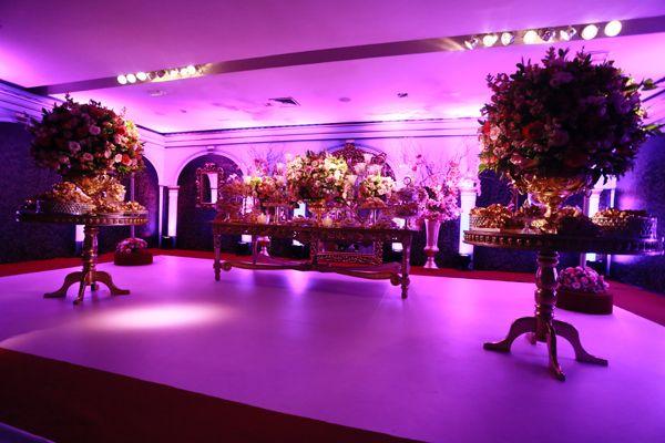 A festa de 15 anos de Larissa Manoela foi o evento do ano! Para a comemoração, realizada na Casa Petra, a atriz usou vestidos Lucas Anderi e tiaras Graciella St