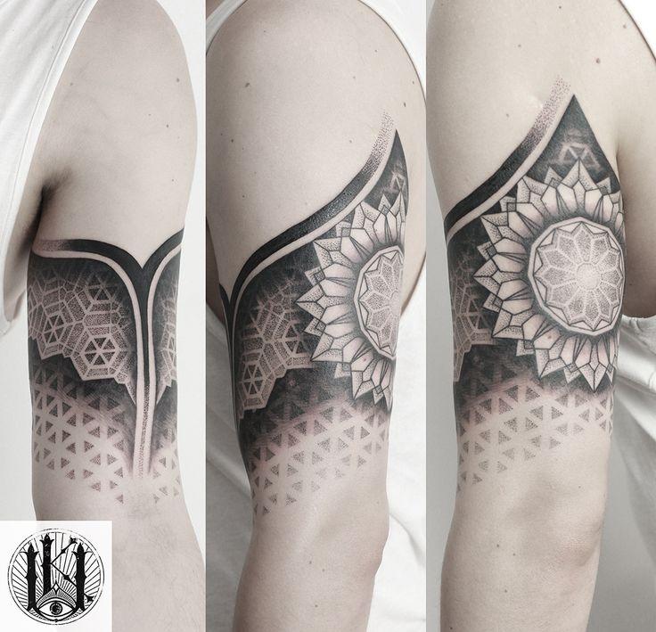 #tattoo #tatuaz #warszawa #warsaw #rose #blackwork #mandala #pattern #tribal #geometria #geometry #dotwork #kropki #geometryczny #swieta geometria #scared geometry