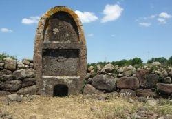 BORORE la tomba dei giganti di Imbertighe. Sardegna, Sardinia