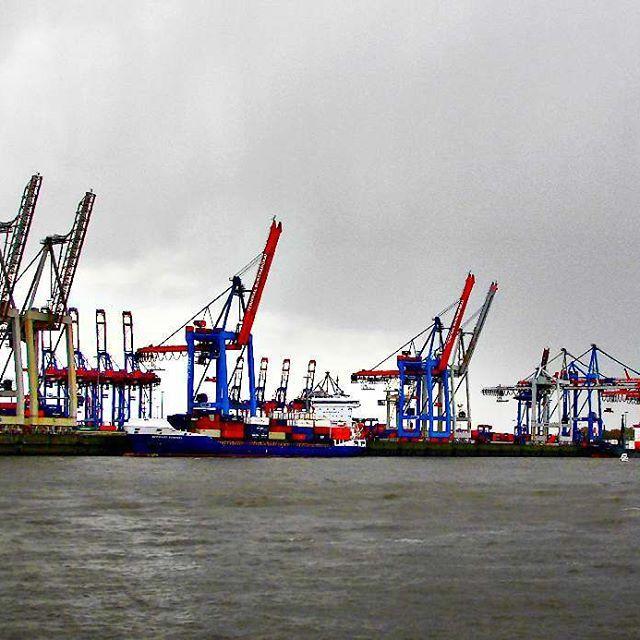 Cranes of Elbe!... . . #cranes #shipcranes #elbe #Hamburg #elberiver #river #colour #blue #red #metallic #transportation #schifffahrt #tour #blackandwhite #clouds #ferryboat #hamburghafen #hamburgliebe #hamburgcity #hafen #hafencity #germany #norddeutschland #schleswigholstein #photography #picoftheday