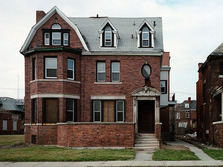 Abandoned Detroit Mansions | Detroit Will PAY You To Take One Of These 100 Abandoned Homes ...
