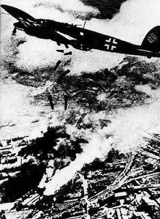 DÍA 01-09-1939  6,00 horas - avión alemán bombardea Varsovia-Polonia