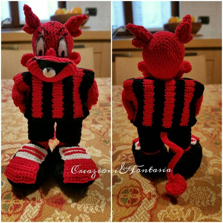 #handmade #uncinetto #crochet #milanello #mascotte #milan #creazioniefantasia #fattoamano #fattoamanoconamore #madeinitaly #artigianato #artigianatoitaliano #handmadewithlove #accessori  #handmadepassion #instapic #instagood #instacool #amigurumi #handcrafted #cool #lemaddine #creativemamy #amigurumi #amigurumis #crocheting #crochetaddict