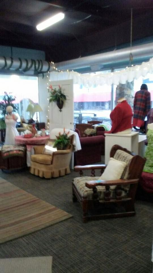 7 best christian associates thrift store in branson west for Home decor on highway 6