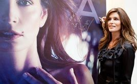 Cindy Crawford can't wait to reconnect with 'wonderful country' India